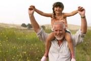 سپردن کودکان به مادربزرگ ها و پدربزرگ ها؛ خوب یا بد