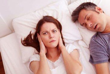 دلیل صحبت کردن در خواب