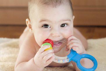 اسباب بازی برای کودکان نوزاد تا ۶ ماهه