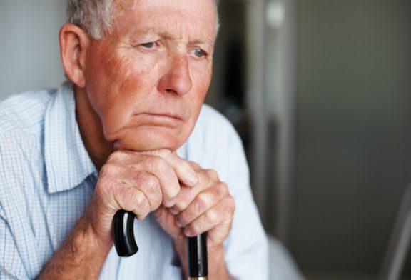 ۷ راه موثر برای کمک به سالمندان افسرده