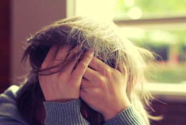 چرا دخترها بیشتر از پسرها دچار اضطراب میشوند؟