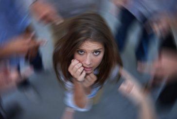فوبی اجتماعی یا اختلال اضطراب اجتماعی