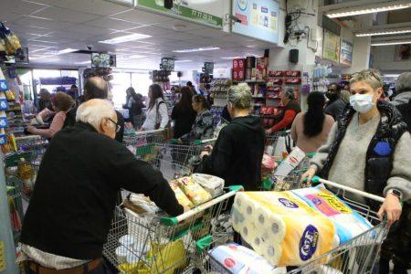هجوم مردم به فروشگاه ها