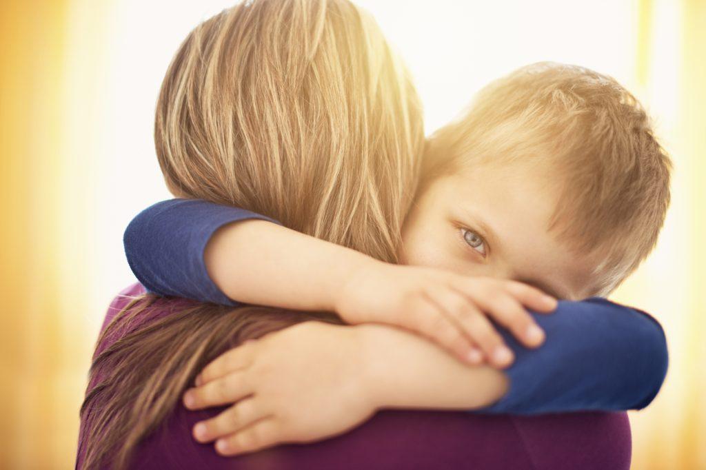 بغل کردن کودکان
