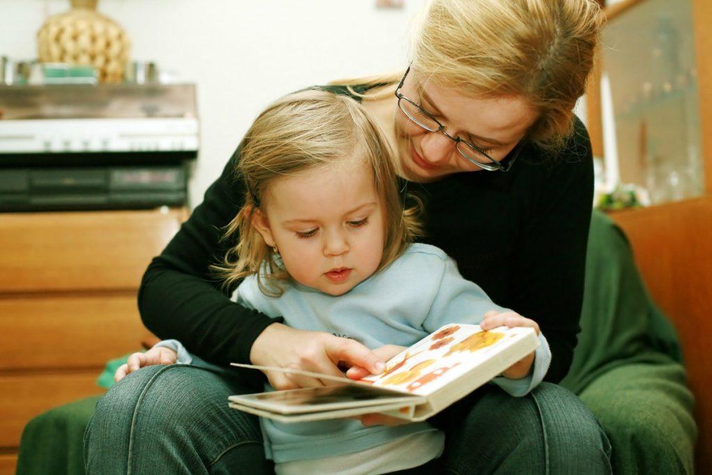 قصه گفتنن برای کودکان