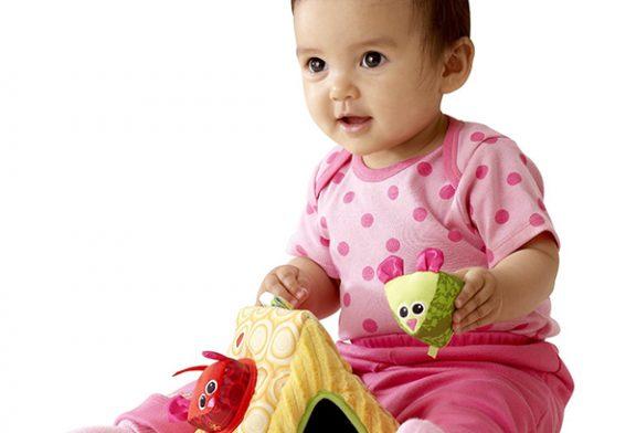 اسباب بازی برای کودکان ۷ تا ۱۲ ماهه