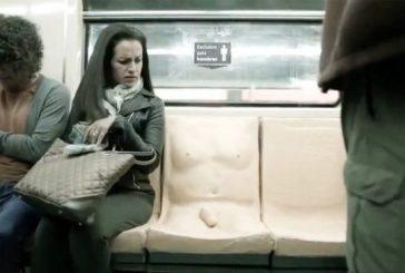 """آزار جنسی؛ """"فقط مردان روی این صندلی بنشینند"""""""