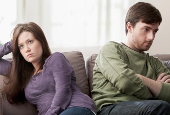 رفتارهایی که نشان میدهد مردی به شما علاقه ندارد