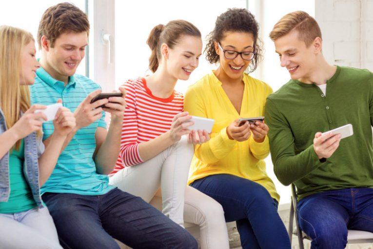 نوجوانان در شبکه های اجتماعی