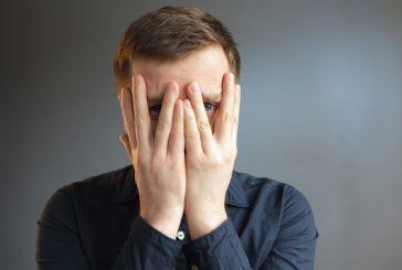 ۴ راهکار برای مقابله با کمرویی